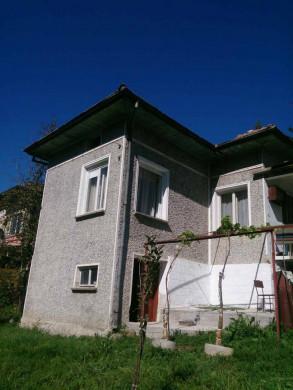 Стоките къща ID68